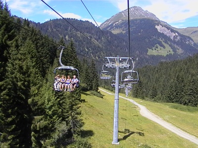 The chairlift between Pre la Joux & Plaine Dranse is open in the summer